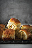 Yeast rolls with herbs