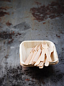 Sustainable disposable tableware