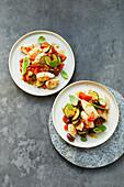 Calamari auf Zucchini-Tomaten-Gemüse