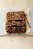 Beetroot-walnut brownies