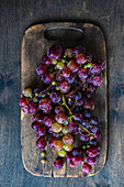Raw and ripe grape as a summer food concept