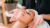 Face massage with Chinese meditation balls