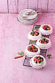 Mini pavlova with mascarpone and berries