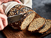 Low-carb multi seed bread