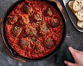 Polpette in tomato sauce (Italian meatballs)