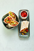 Minced meat wraps with salsa