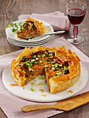 A minced meat pie made with filo pastry