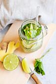 Ginger lemonade with mint