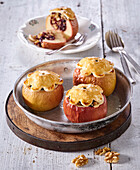 Baked apples with stuffing