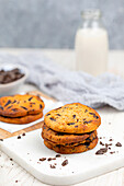 Gluten-free cookies with chocolate chips (low carb)