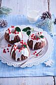 Small Christmas chocolate sponge cakes
