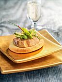 Mini tart with foie gras