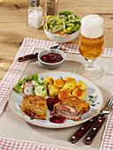 Allgäu farmer's schnitzel with potatoes