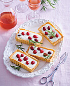 Tartlets with cranberries