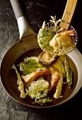 Tempura - Frittierte Garnelen, Gemüse und Pilze (Japan)