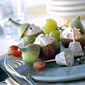 Fresh figs stuffed with cheese