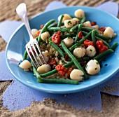 Scallop and green bean saffron-flavored salad