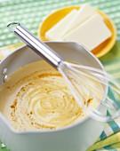 Selbstgemachte Béchamelsauce mit Butter