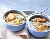 Onion soup gratinée with croutons and cheese