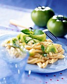 Casareccia-Nudeln mit grünen Tomaten