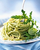 Linguine with pesto and basil
