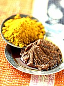 Curry powder and curry paste