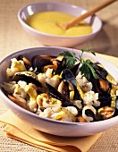 Cauliflower and mussels with curry(topic : cooking today)