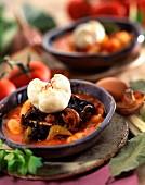 Dicke weisse Bohnen mit Pilzen in Sauce