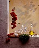 Lebensmittel aus Südfrankreich auf Fensterbrett