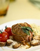 Bacon tournedos with button mushrooms