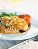 Sauteed chicken with button mushrooms