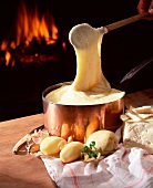 Aligot mashed potatoes, garlic and cheese