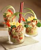 Salat mit Tandoori-Hähnchen und Ananas