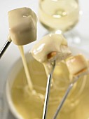 cheese fondue (topic : fondues)