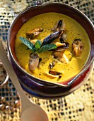 Mussel curry creamed soup