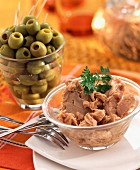Shredded tuna and green olives