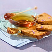 Tea and honey bread (topic: Provence)