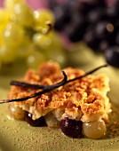 Vanilla-flavored white and black grape crumble