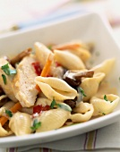 Conchiglie with chicken and mushrooms