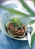 Thunfisch-Tatar mit Limette und grobkörnigem Senf