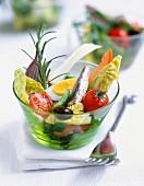 Nizzasalat in Glasschälchen