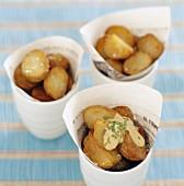 Bratkartoffel mit scharfer Sauce
