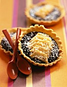 Melon and chocolate tartlets