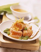 Half-cooked salmon with broad beans