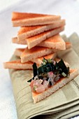 Toast triangles with shrimps and vegetables
