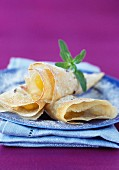 Stewed apples in crunchy cone
