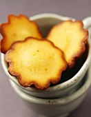 Flower-shaped madeleines