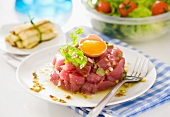 Red tuna tartare with pistachios