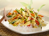 Rice noodles with vegetables and chicken breast