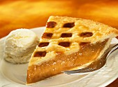 Apricot pie with vanilla ice cream